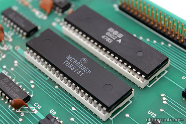 Commodore MMF9000 - 6502 and 6809 CPUs