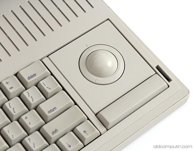 Apple Macintosh Portable - Trackball