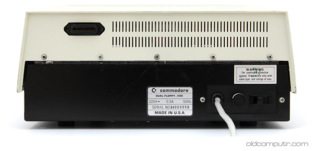 Commodore 4040 - Back