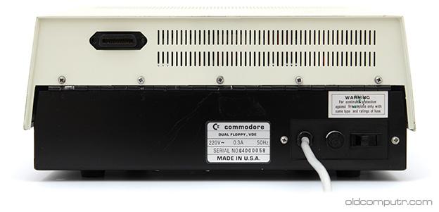 Commodore 4040 - Back