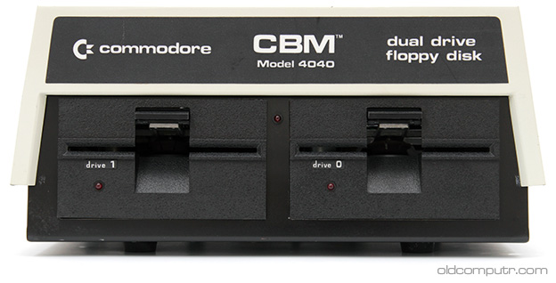 Commodore 4040 - Front