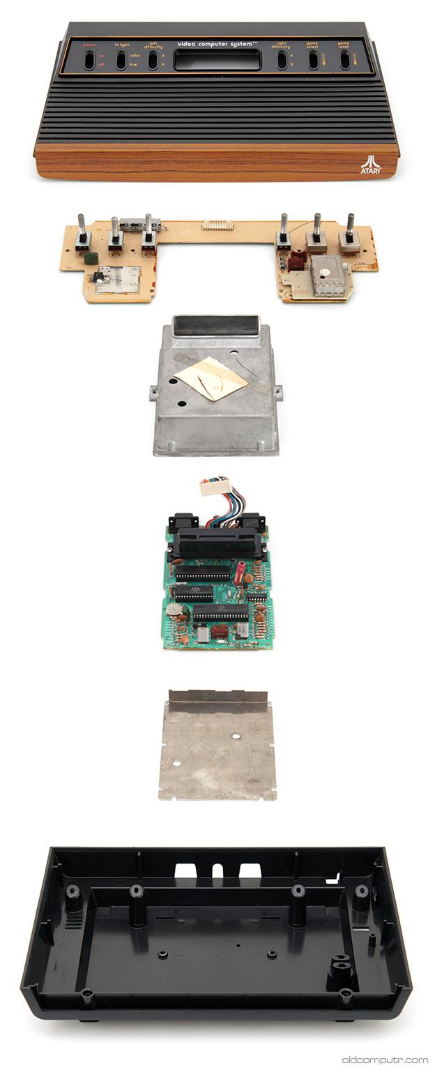 Atari 2600 - Exploded_view