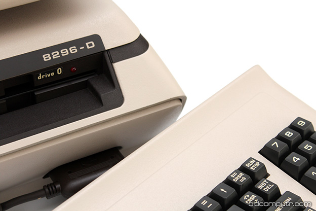 Commodore 8296-D - Keyboard
