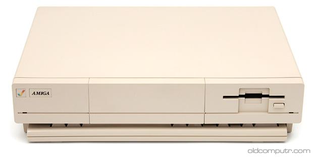 Commodore Amiga 1000 - Hidden keyboard