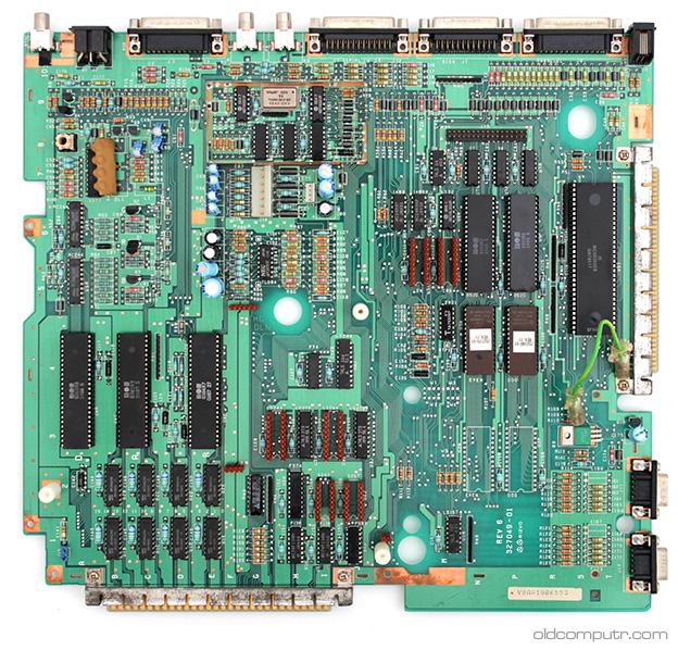 Commodore Amiga 1000 - Motherboard