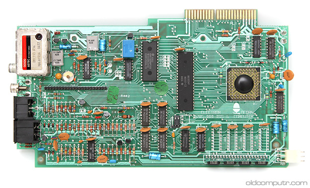 Acorn Electron - motherboard