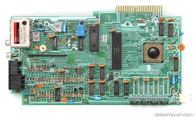 Acorn Electron - motherboard