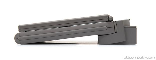 Apple PowerBook 2300c + MiniDock (side)