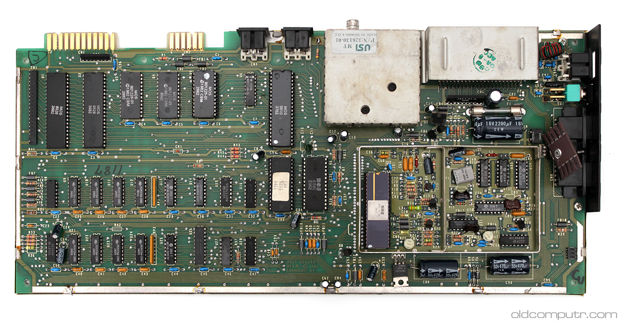 Commodore 64 - motherboard